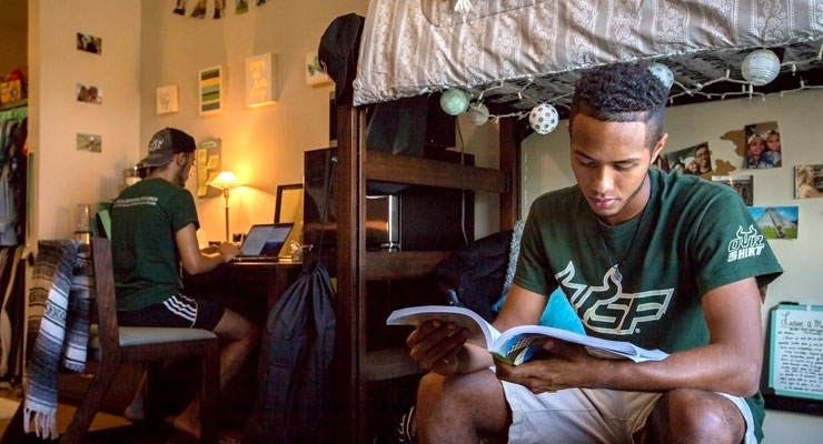 how-to-choose-your-room-style-at-college-inline-2